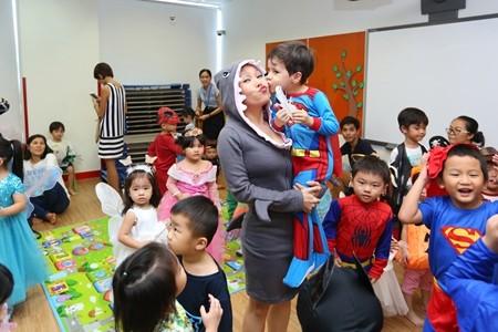 Việt Hương khoe ảnh con gái vui Halloween ở Mỹ ảnh 8