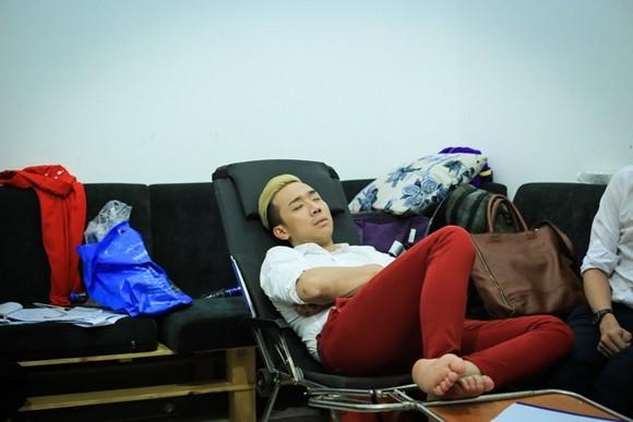 """Hé lộ cảnh """"ăn bờ ngủ bụi"""" của Thu Trang, Trấn Thành ảnh 5"""