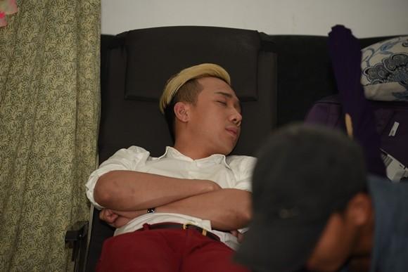 """Hé lộ cảnh """"ăn bờ ngủ bụi"""" của Thu Trang, Trấn Thành ảnh 3"""
