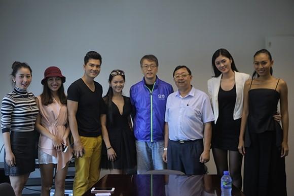 Vương Thu Phương, Diệu Huyền dự sinh nhật đài TVB Hong Kong ảnh 9