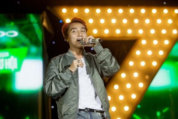 Hồ Ngọc Hà, Sơn Tùng M-TP khiến khán giả Nha Trang phấn khích ảnh 6