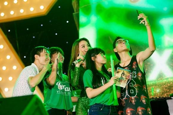 Hồ Ngọc Hà, Sơn Tùng M-TP khiến khán giả Nha Trang phấn khích ảnh 2