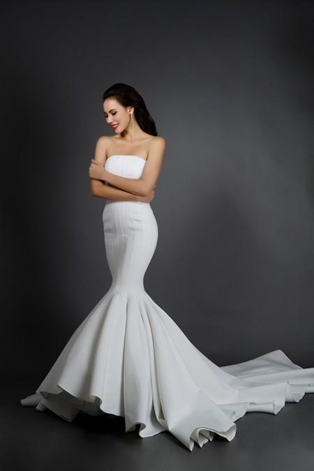 Ngắm nhìn bộ trang phục dạ hội lọt vào Top 10 của Lệ Quyên ảnh 2