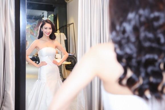 Hà Thu hoàn tất trang phục dự thi Hoa hậu Liên lục địa 2015 ảnh 5