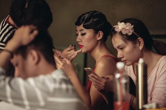 Văn Mai Hương lạ lẫm trong hình tượng nàng Monalisa ảnh 3