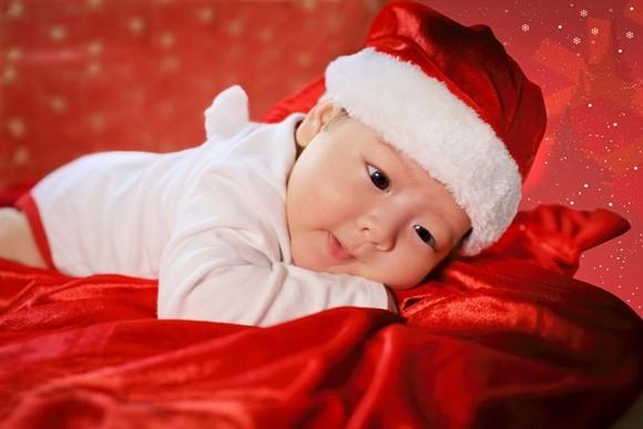 Nhật Kim Anh ghi lại hình ảnh Giáng sinh đầu tiên cùng chồng, con ảnh 10