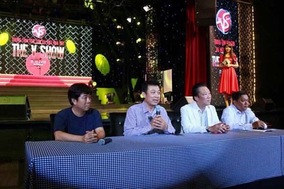 """Danh hài Vân Sơn ra mắt nhà hát """"The V Show"""" tại TP Hồ Chí Minh ảnh 7"""