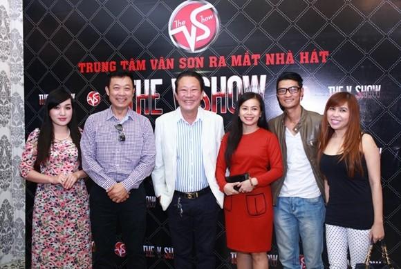 """Danh hài Vân Sơn ra mắt nhà hát """"The V Show"""" tại TP Hồ Chí Minh ảnh 6"""