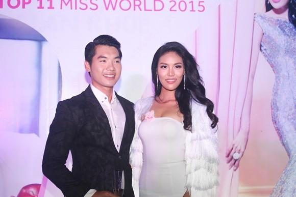 Lan Khuê hạnh phúc trong buổi tiệc mừng vào top 11 Hoa hậu thế giới ảnh 4