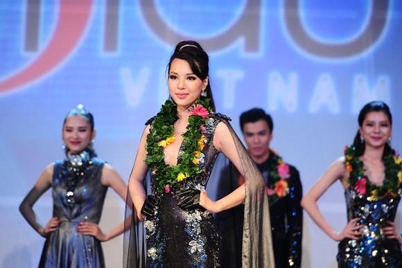 Á khôi Khả Trang và người mẫu trẻ Tuấn Anh đăng quang Siêu mẫu Việt Nam 2015 ảnh 2