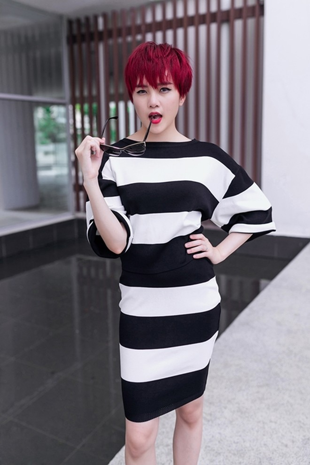 Thiều Bảo Trang - Thiều Bảo Trâm cực gợi cảm với thời trang dạo phố ảnh 4
