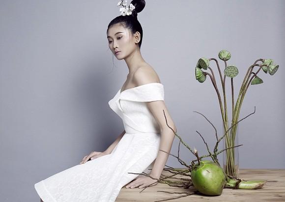 NTK Nguyễn Công Trí tung bộ sưu tập sắc trắng đón Tết ảnh 3