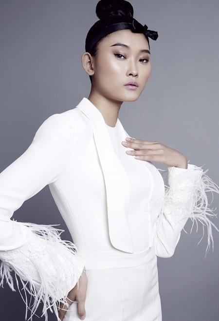 NTK Nguyễn Công Trí tung bộ sưu tập sắc trắng đón Tết ảnh 6