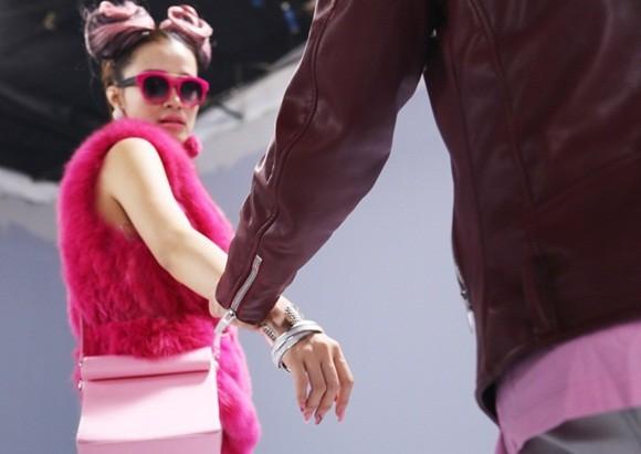 """Đông Nhi đầy cá tính với sắc hồng trong dự án """"Pink girl"""" ảnh 8"""