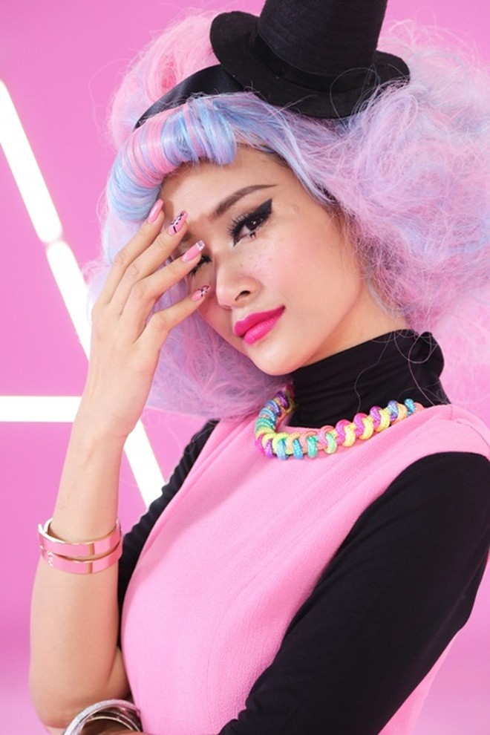 """Đông Nhi đầy cá tính với sắc hồng trong dự án """"Pink girl"""" ảnh 2"""