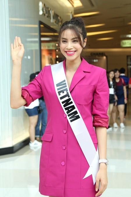 Hoa hậu Phạm Hương được người hâm mộ Thái Lan chào đón