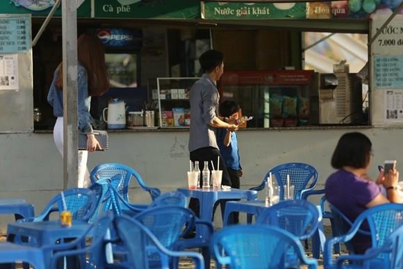 Hồ Ngọc Hà cùng chồng cũ đưa con trai đi xem nhạc kịch trên băng ảnh 7
