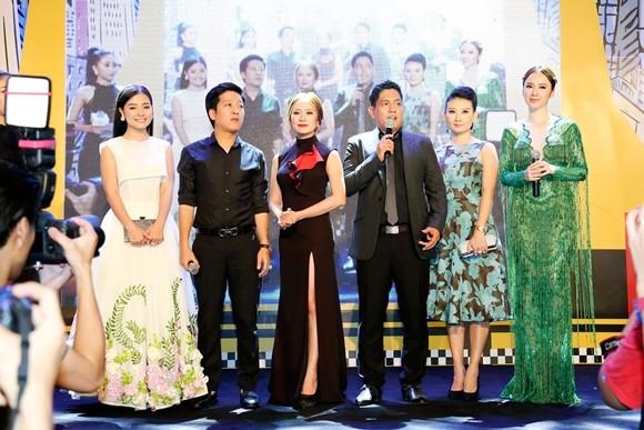 """Trường Giang - Nhã Phương tay trong tay ra mắt phim """"Taxi, em tên gì?"""" ảnh 3"""