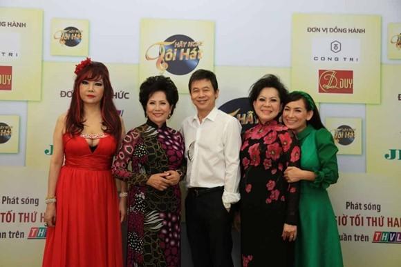 Danh ca Bảo Yến, Phương Dung, Thái Châu, Giao Linh và ca sĩ Phi Nhung sẽ là những giám khảo chủ đề cho đêm thi về nhạc của mình (từ trái qua). Mọi người cũng đã có buổi ra mắt chương trình cách đây vài ngày
