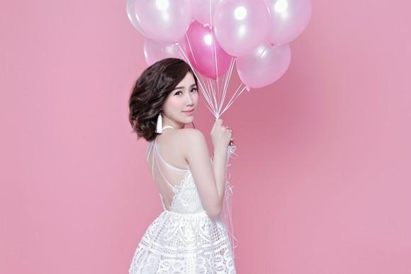 Bảo Thy tung hình ảnh ngọt ngào với sắc hồng mừng sinh nhật