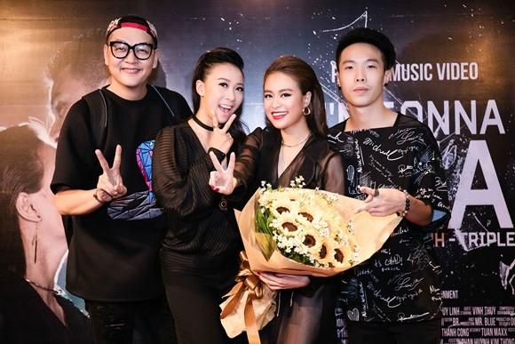 Hoàng Thùy Linh cùng TripleD và Minh Thư