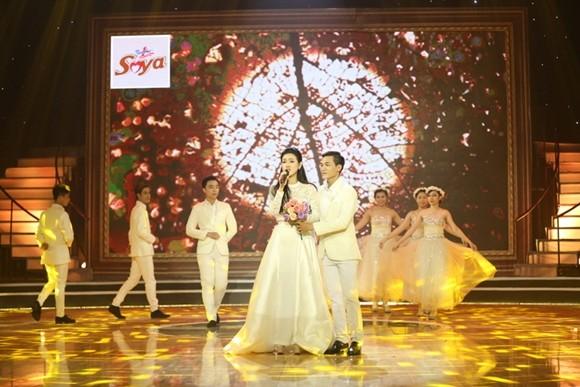 Nữ ca sĩ Maria Đinh Phương Ánh