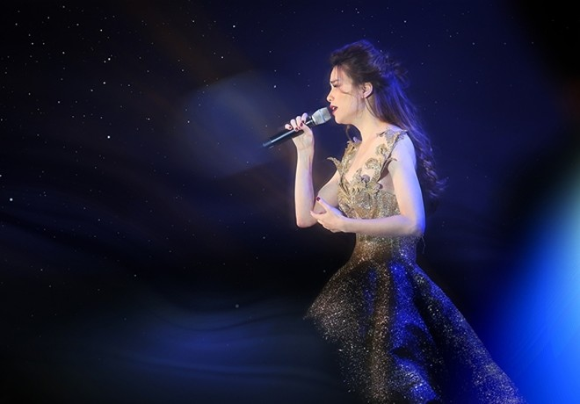 """Hồ Ngọc Hà ra mắt DVD đêm nhạc """"Love Songs"""""""