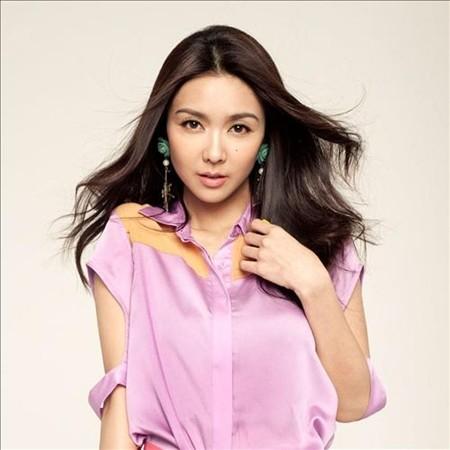 Fiona Sit –Tiết Khải Kỳ là ca sĩ và diễn viên được giới truyền thông vinh danhđa tài bậc nhất Hongkong