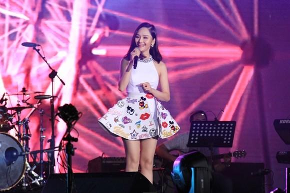 Miu Lê, Chi Pu được khen ngợi ở sự kiện Viral Fest Asia tại Bali