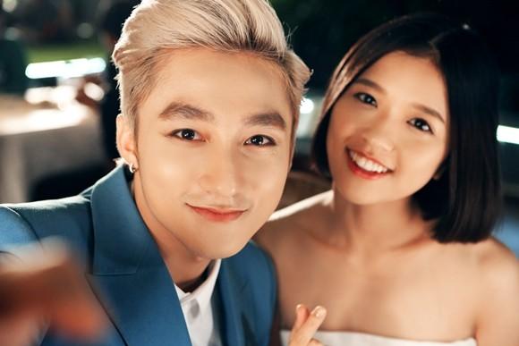 Sơn Tùng M-TP thân mật cùng Suni Hạ Linh trong hậu trường ảnh 3