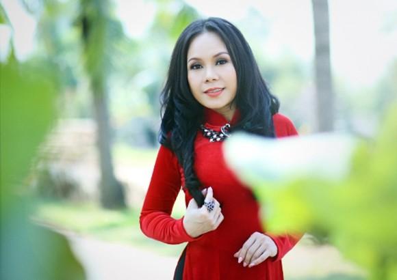 """Việt Hương đã từ chối nhiều chương trình để tập trung vào các dự án cá nhân của mình nhưng cô đã """"phá"""" bỏ để tìm kiếm người nghệ sĩ đa tài thực thụ trong chương trình """"Người nghệ sĩ đa tài"""""""