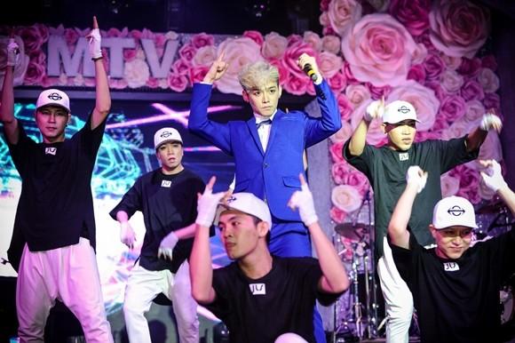 Ca sĩ người Hàn Quốc JIS giới thiệu MV đầu tay tại Việt Nam