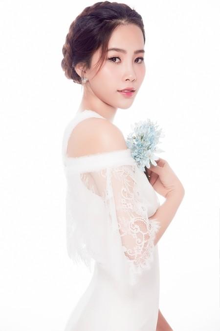 Hoa Khôi Nam Em xinh đẹp, dịu dàng trong bộ ảnh mới