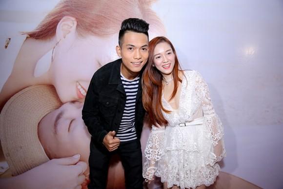 """Đinh Hương và BigDaddy trong buổi ra mắt MV """"Loneliness"""" vào chiều qua"""
