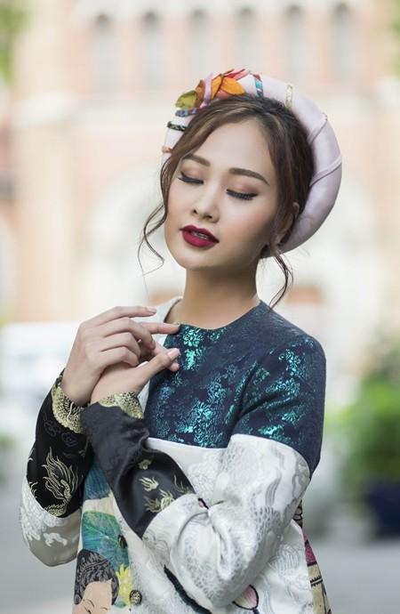 Hà Thúy Anh dịu dàng với áo yếm, áo dài cách tân