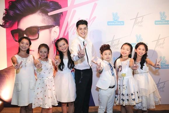 """Noo Phước Thịnh và các học trò trong """"Giọng hát Việt nhí - The Voice Kids"""""""