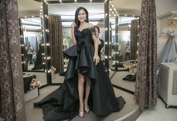 Diệu Ngọc khoe chân dài miên man trong bộ váy đen với cấu trúc mullet ấn tượng