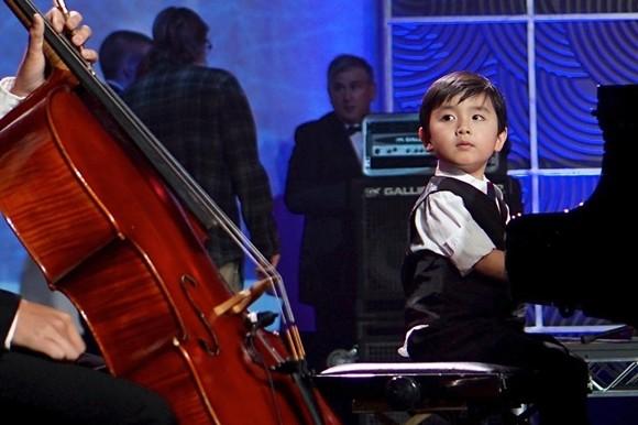 Cậu bé Evan Lê được mọi người hi vọng sẽ trở thành một Đặng Thái Sơn thứ hai của Việt Nam và nâng tầm những tài năng âm nhạc Việt Nam ngang với thế giới.
