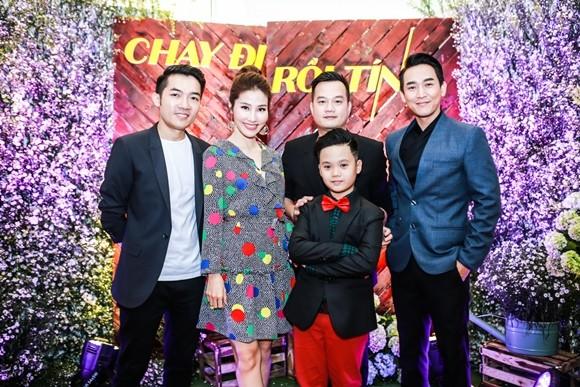 Hai đạo diễn cùng Diễm My 9x - Hứa Vĩ Văn và bé Trọng Khang