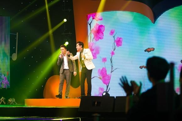 """Phan Mạnh Quỳnh được Thanh Duy Idol, Hoàng Yến Chibi tranh nhau """"đặt hàng"""" sáng tác"""