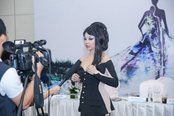 NTK Quỳnh Paris là một trong những NTK gốc Việt thành công ở thị trường thời trang quốc tế