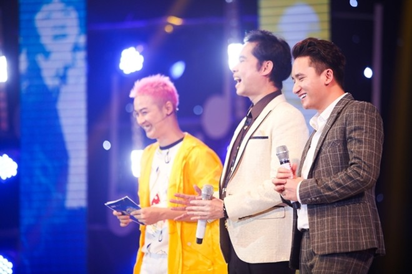 """""""The Mash Up – Hoán chuyển bất ngờ""""- chương trình có sự tham gia của Phan Mạnh Quỳnh và Hoàng Yến Chibi, đang được phát sóng lúc 21g thứ Ba hàng tuần, trên kênh THVL1."""