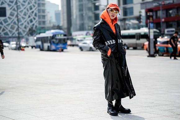 Tổng hợp trang phục Sơn Tùng M-TP tự stylist tại Seoul Fashion Week