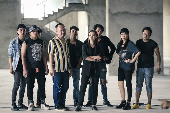 Vợ chồng Thu Trang - Tiến Luật làm phim điện ảnh chiếu trên youtube