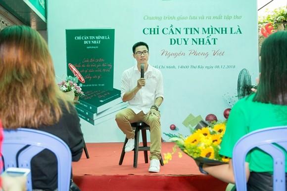 Nhà thơ Nguyễn Phong Việt