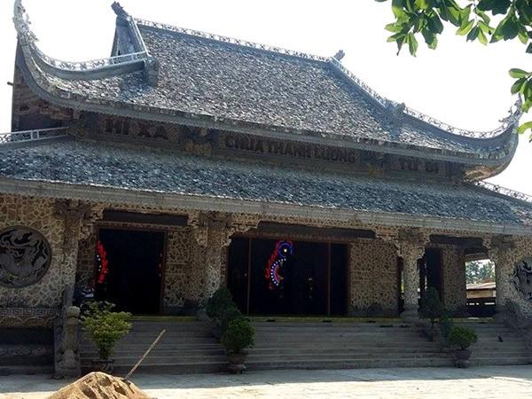 Bí ẩn bức tượng Phật trôi trên biển và ngôi chùa được làm bằng san hô ảnh 2