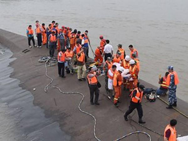 Chưa rõ số phận 437 người trên tàu ảnh 1