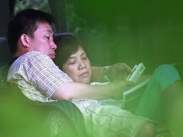 """Quan chức Trung Quốc bị điều tra vì """"thân mật"""" với nhân viên ảnh 1"""