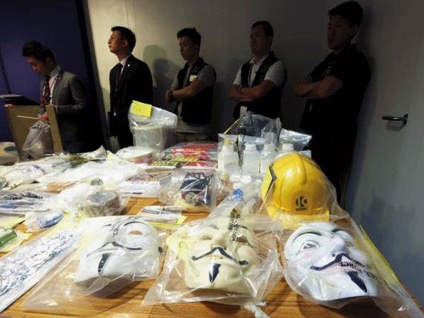 Hồng Kông bắt giữ 9 nghi phạm chế tạo thuốc nổ ảnh 1