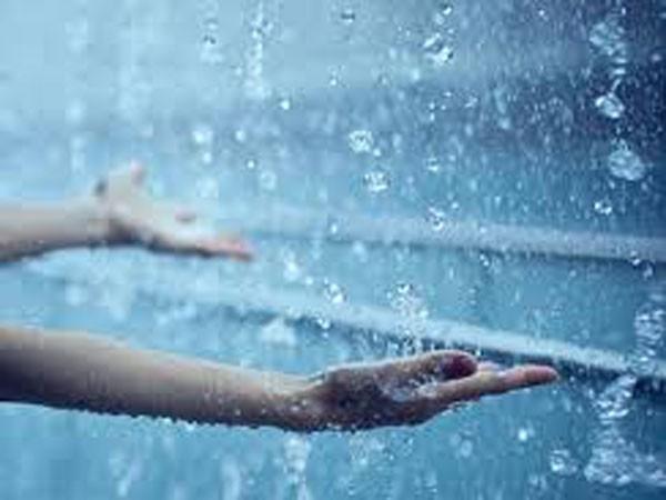 Nước mưa vô hại với sức khỏe ảnh 1